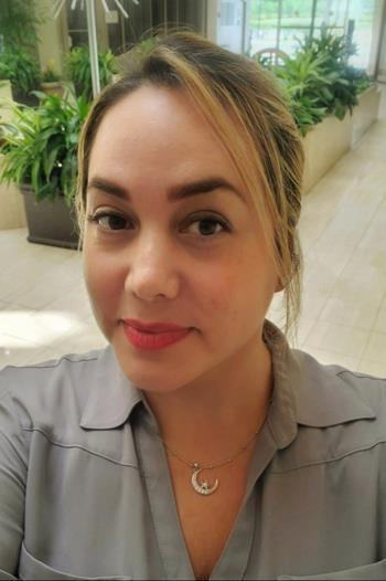 Jen Gil Photo - 1